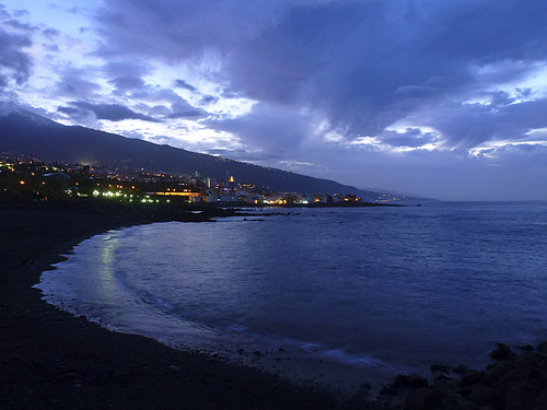 sunset clouds puerto atardecer playa cielo nubes tenerife puestadesol bluehour puertodelacruz islascanarias nwn horaazul infinitexposure