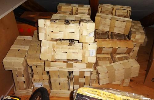 geschenkte Spankörbe auf dem Dachboden