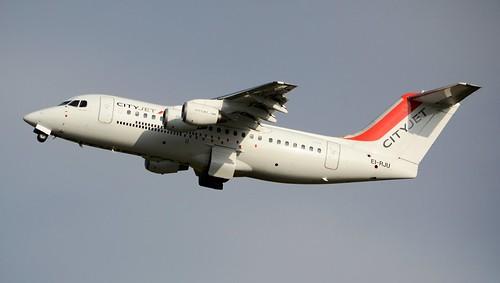 CityJet British Aerospace BAe Avro RJ85 EI-RJU Departure