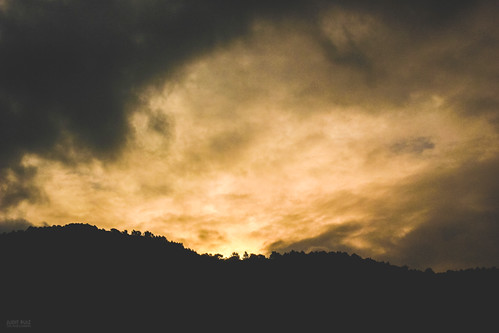 trees sky orange naturaleza sun sunlight mountain storm black mountains texture nature colors silhouette yellow clouds forest sunrise skyscape landscape colorful arboles dusk horizon paisaje catalonia ridge amanecer bosque cielo nubes gradient tormenta land catalunya silueta montaña nightfall montañas clouscape stjoanab