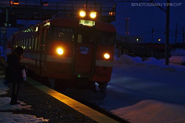 夕暮れ赤電車2