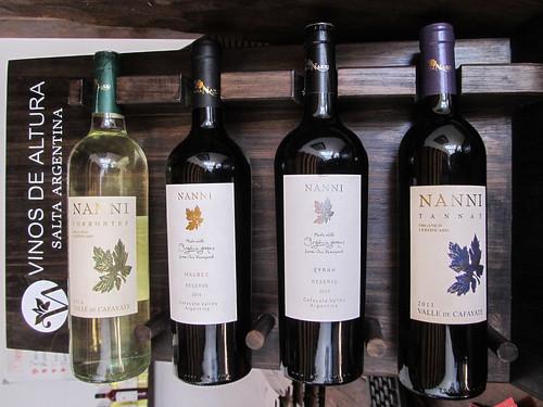Cafayate: dégustation suivant la visite de la cave à vins. Voici les 4 vins que nous avons goûtés.