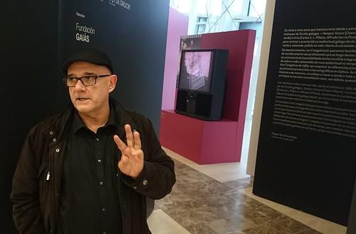 Miguel Anxo Fernández na entrada de Cinegalicia 25