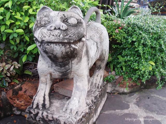 Скульптуры Ват Пхо