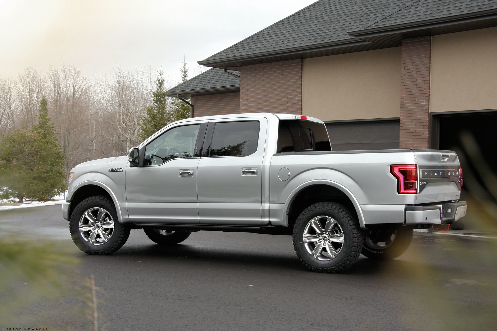 D T Fs Ford F Fx Lifted Image as well B C Bb besides Ford Bronco Ii together with Lightning Hr further C Dd Abf E Eb E Farm Trucks Old Trucks. on 86 ford f 150 lifted