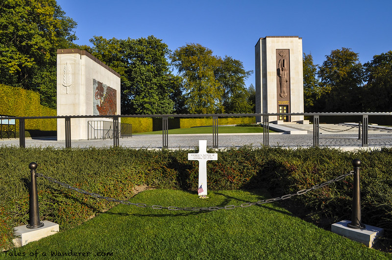 LUXEMBOURG - HAMM - Luxembourg American Cemetery and Memorial - General George S. Patton's grave