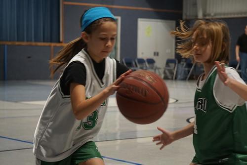 jordan-dribbling-basketball