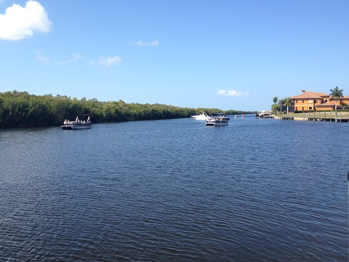 summer sun canal florida sunday cc boarding vessels sunnyday bothsides swfl capcoral