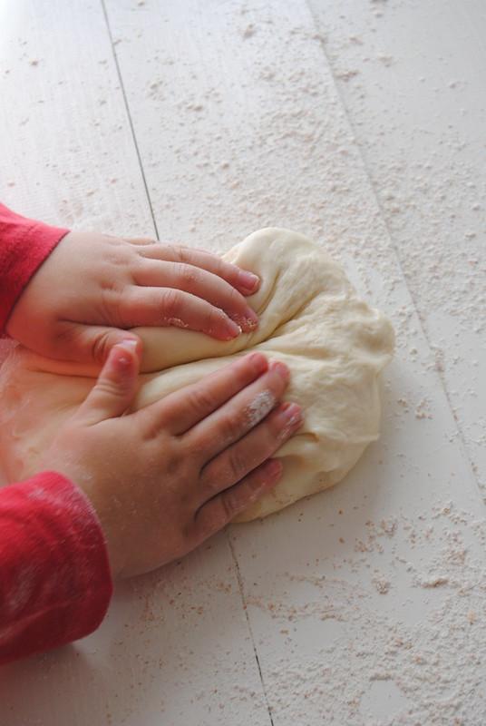 Torcetti - dough - kneading