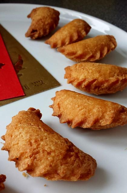 Cardamom Crispy Sweet Dumplings 油角