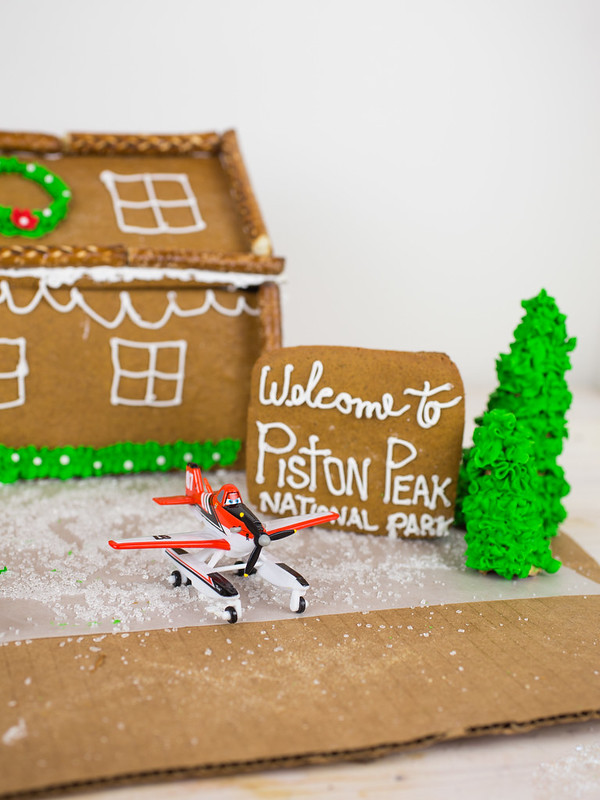 Planes Fire and Rescue Gingerbread House-10