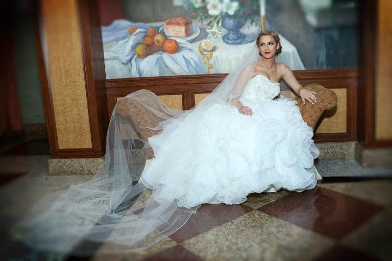Bridal Styles Bride Ejona-002