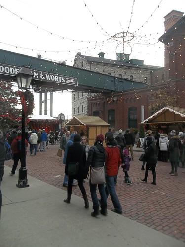 Scenes from the Toronto Christmas Market, Distillery District (4)