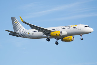 F-WWDK / EC-MDZ (Air Force Juan) - Airbus A320-232 (WL) - Vueling - msn 6377