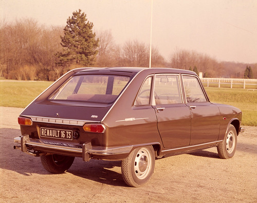 Renault_2321_global_fr