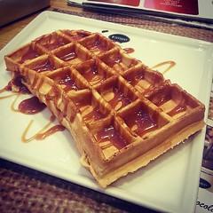 meal, breakfast, baking, belgian waffle, food, dish, dessert, waffle,