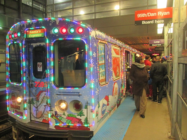 Southbound Yellow Line Holiday train arrives at Howard 'L' Station