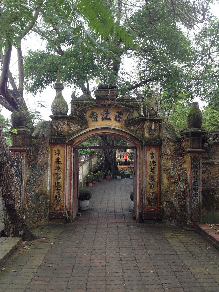 Co Phap Pagoda (1)