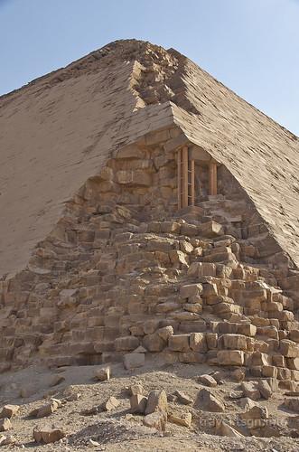 【写真】2014 世界一周 : 屈折ピラミッド、赤ピラミッド/2021-01-07/PICT7051