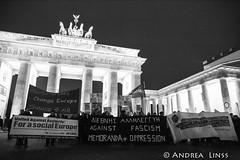in Solidarität mit Griechenland....