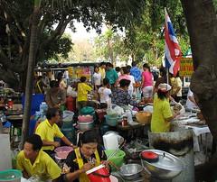 some vendors on makha bucha day
