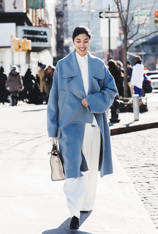 New_York_Fashion_Week-Fall_Winter_2015-Street_Style-NYFW-Caroline_Issa-Blue_Coat--790x1185