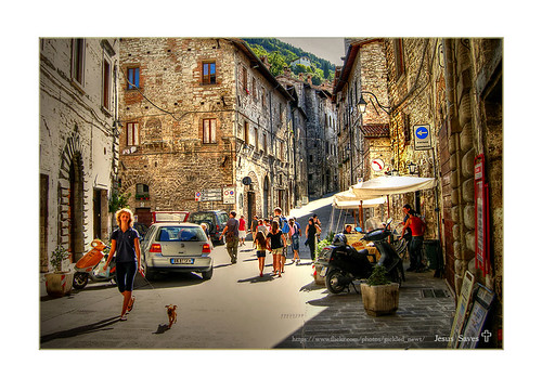 houses people italy buildings europe euro shops oldtown hdr gubbio photomatix