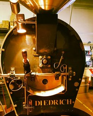 Taking in some roasting lessons on the #Diedrich #MountainAirRoasters #colorado #adventure #MountainAirMatchUp #FindYourFlavor #MountainAir #localcoffeeroaster #coffeeloveaffair #coffeetime #coffee #kaffee #coffeelover