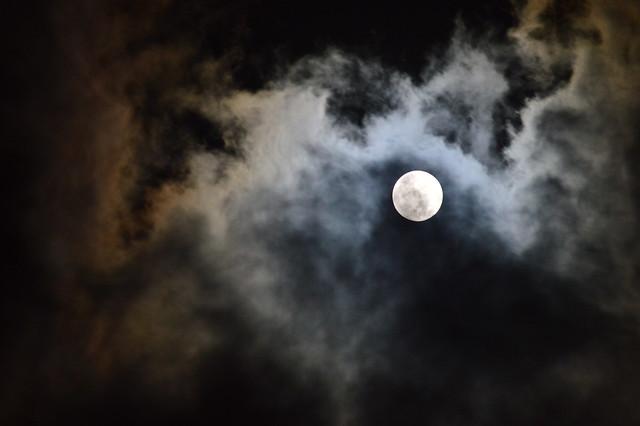 満月_20141207明け方 The full moon