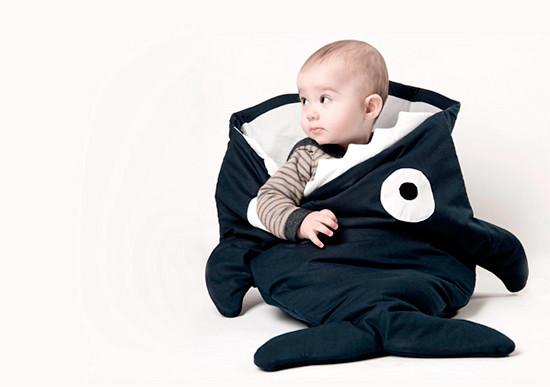saco_bebe_tiburon_baby_bites_shark_baby_sack
