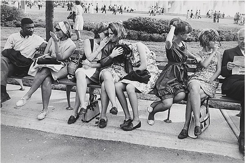 14k20 New York World's Fair Garry Winogrand  (American, 1928–1984) Date- 1964