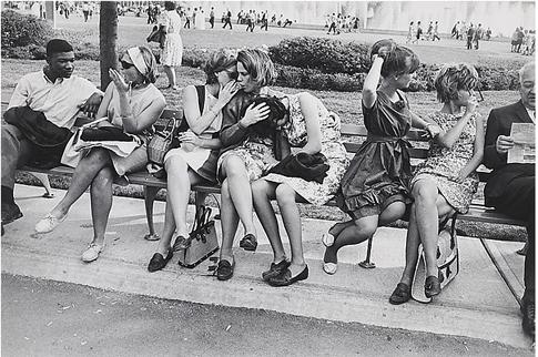 14k20 New York World's Fair Garry Winogrand  (American, 1928–1984) Date- 1964