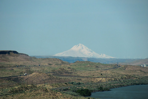 usa oregon arlington river unitedstates desert columbia mount hood gorge ooolookit oregonfromamovingcar