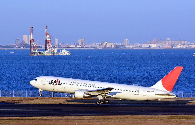 JAL JA8299, Boeing 767-346 at HND