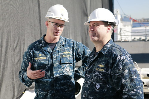 Commander, Carrier Strike Group Three Visits USS Wayne E. Meyer