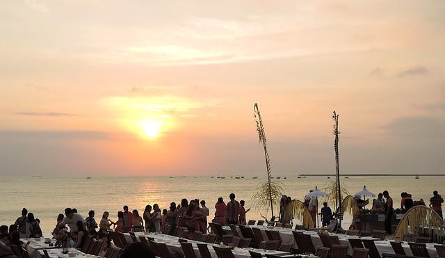bali-beautiful sunset at Jimbaran beach1