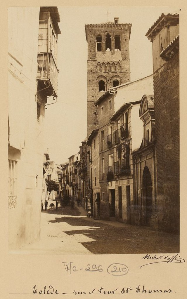 Calle de Santo Tomé en 1889. Fotografía de Marie Hubert Vaffier © Bibliothèque Nationale de France