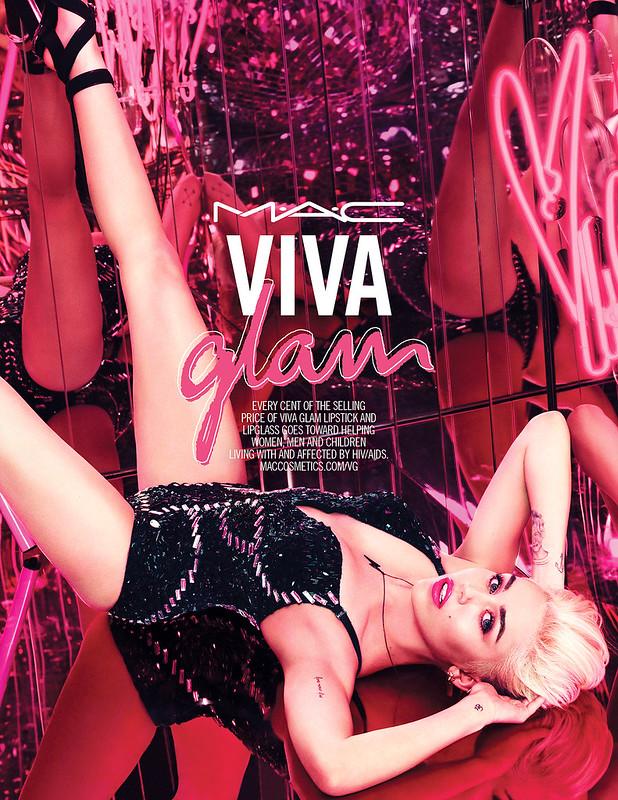 1414610152_miley-cyrus-mac-viva-glam-zoom