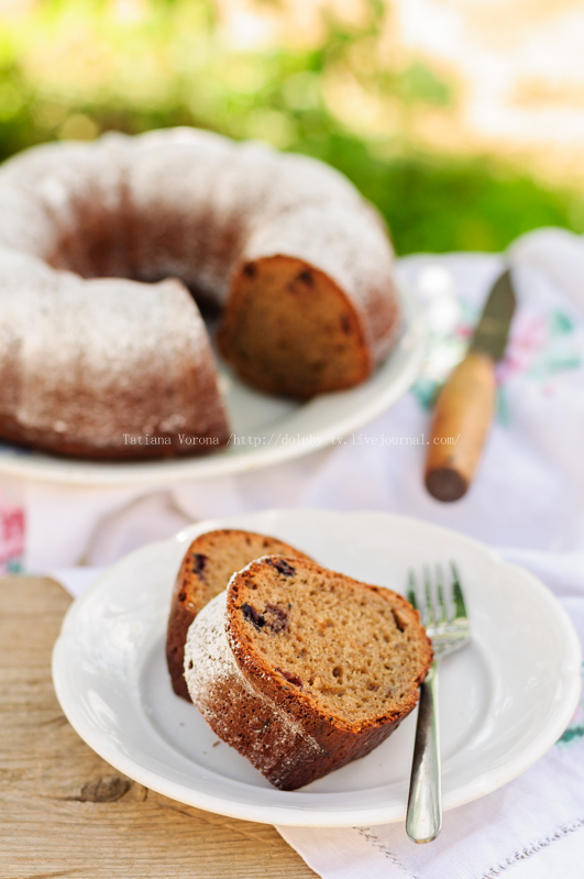 Slices of Rustic Style Bundt Cake Sprinkled with Icing Sugar