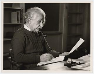 Photograph [2016-6-10]: [Albert Einstein in his office, Princeton University, New Jersey], 1942, Roman Vishniac