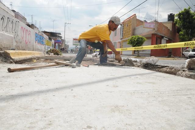 Avanzan trabajos de pavimentación en Villa de Pozos