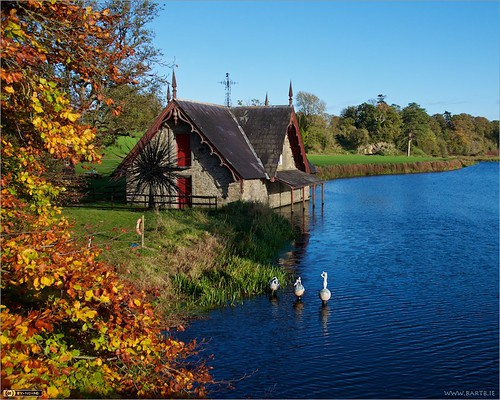 autumn ireland sculpture art modernart boathouse maynooth kildare localhistory historicbuilding cartonestate