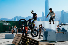 mountain bike(0.0), bicycle motocross(0.0), bmx bike(0.0), flatland bmx(0.0), cycle sport(0.0), bmx racing(0.0), bicycle(0.0), vehicle(1.0), sports(1.0), freeride(1.0), extreme sport(1.0), stunt performer(1.0), stunt(1.0),