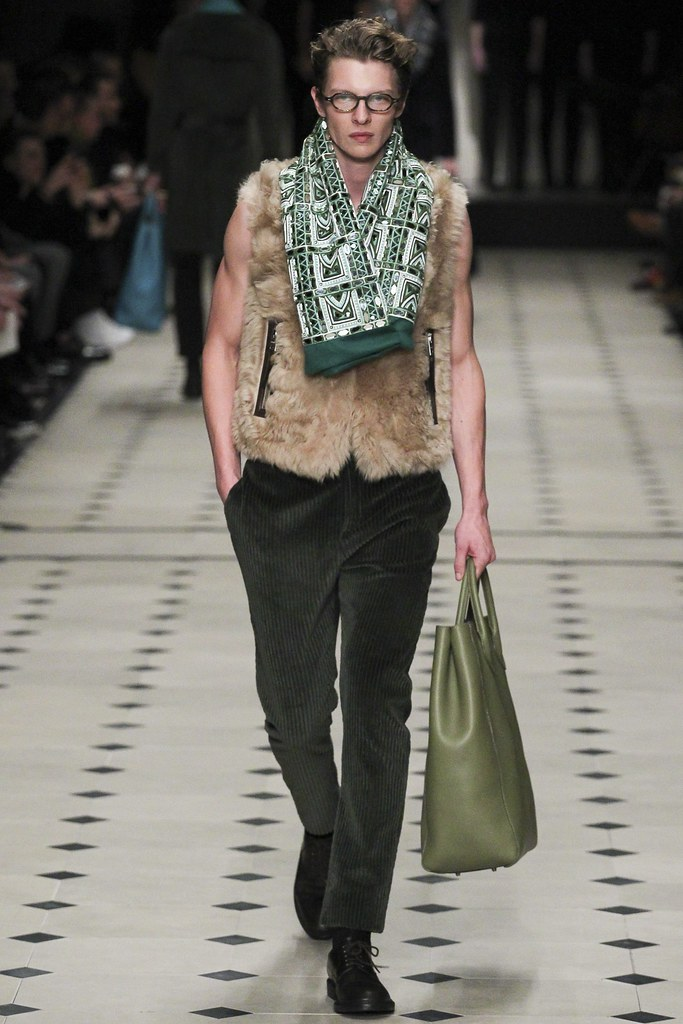 FW15 London Burberry Prorsum036_Tim Schuhmacher(VOGUE)