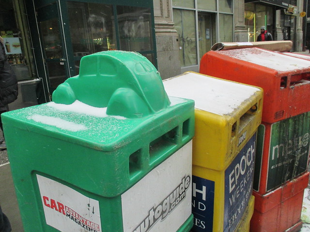 Green Plastic Newspaper Box With Car on the Lid 5619