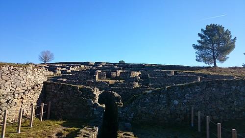Alxibe e contrucións da zona oeste de San Cibrán de Lás (Ourense)