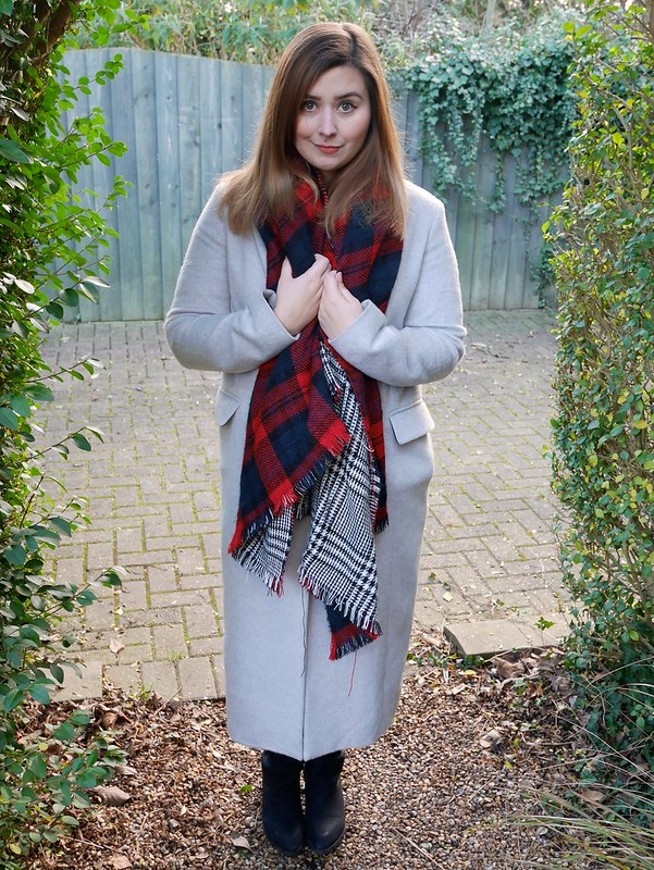 Dorothy Perkins coat tartan scarf winter style