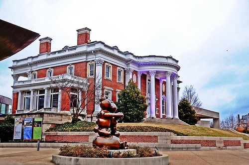 blue flickr purple tennessee bronzestatue redbrick whitecolumn chattanoogatn colonialstyle bluffviewartdistrict huntermuseumofamericanart grayskyclouds