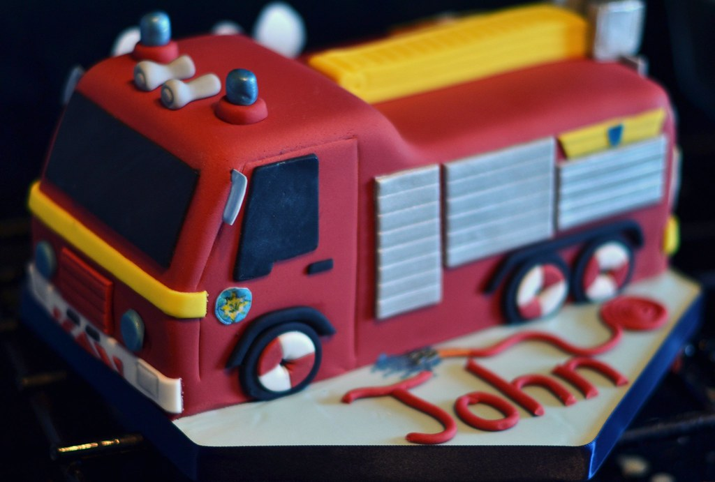 Fireman Sam Jupiter Fire Engine Birthday Cake