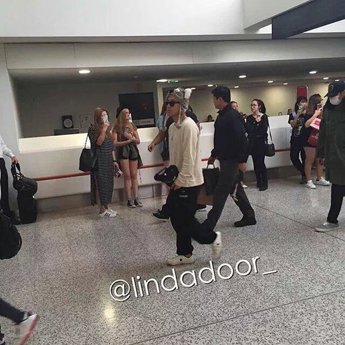 BIGBANG arrival Melbourne 2015-10-20 (4)